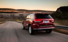 Jeep-Grand_Cherokee_2014_1280x960_wallpaper_64