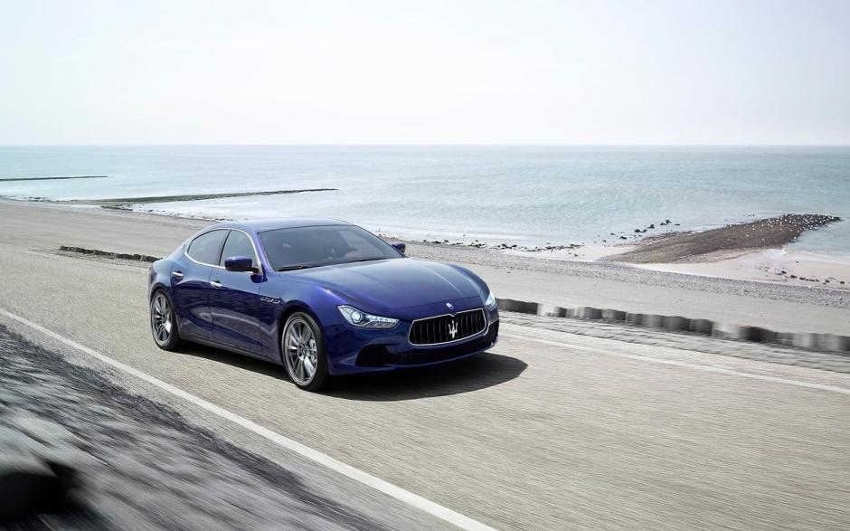 Maserati-Ghibli_2014_1280x960_wallpaper_0c
