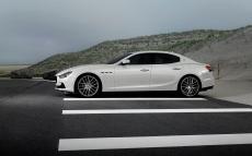 Maserati-Ghibli_2014_1280x960_wallpaper_36
