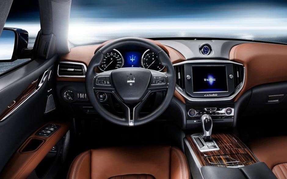Maserati-Ghibli_2014_1280x960_wallpaper_70