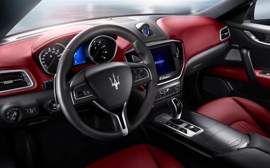 Maserati-Ghibli_2014_1280x960_wallpaper_73
