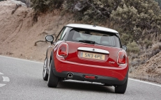 Mini-Cooper_2015_1280x960_wallpaper_75