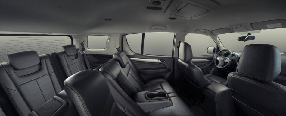 Isuzu-MU-X-interior