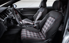 2014-volkswagen-golf-gti-concept-interior-photo-476754-s-1280x782