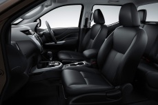 nissan-np300-navara-12th-gen-interior-dark-side-view