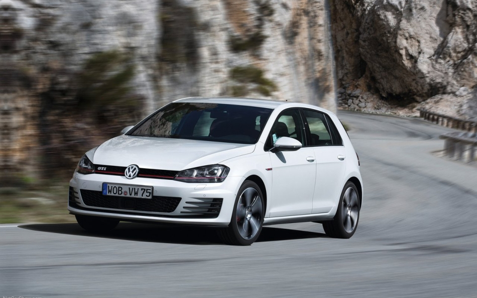 Volkswagen-Golf_GTI_2014_1280x960_wallpaper_0b