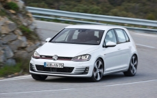 Volkswagen-Golf_GTI_2014_1280x960_wallpaper_0d