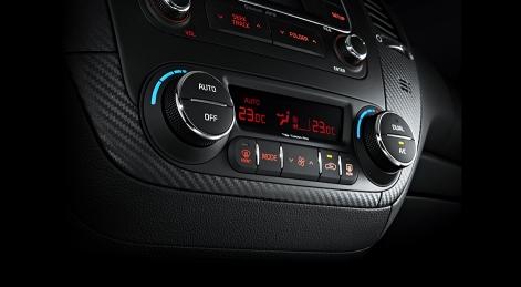 kia-cerato-koup-interior-dualzone-climate-control