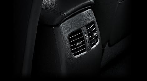 kia-cerato-koup-interior-rear-passenger-vents