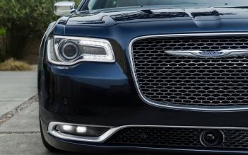 Chrysler-300_2015_1600x1200_wallpaper_62
