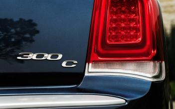 Chrysler-300_2015_1600x1200_wallpaper_68