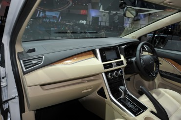 Mitsubishi-Xpander-at-GIIAS-2017-Live-interior