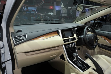 Mitsubishi-Xpander-at-GIIAS-2017-Live-interior
