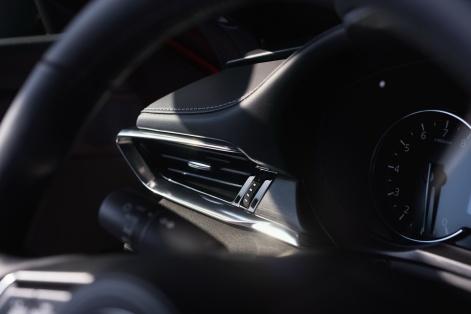 2019-Mazda6-16