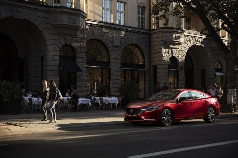 2019-Mazda6-4