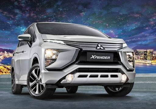 Xpander-GLS-Passengers-Side-Front-Shot