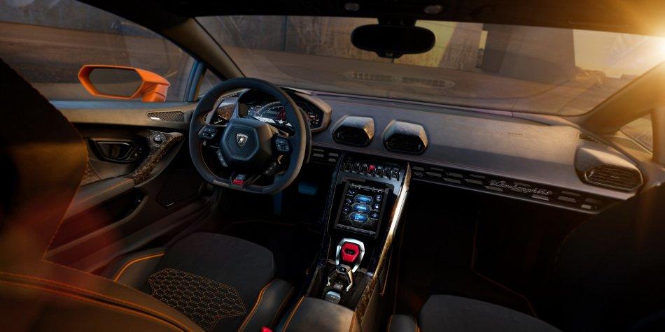 2020 Lamborghini Huracan EVO Interior