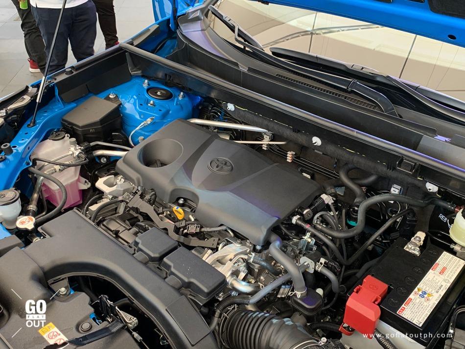 2019 Toyota RAV4 Limited Engine