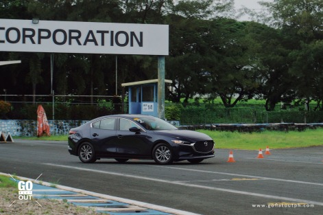 2020 Mazda 3 versus Honda Civic