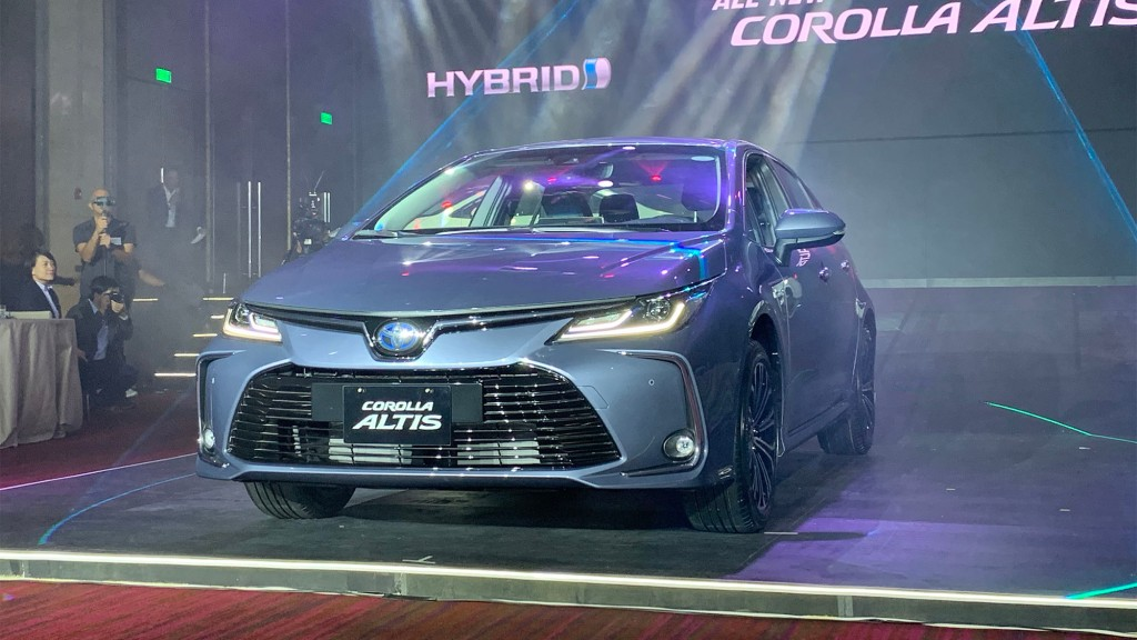 Here Are The Specs And Prices Of The All-New Toyota Corolla Altis