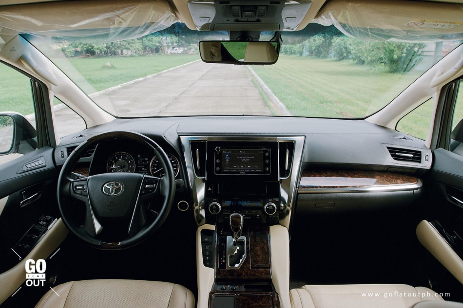 2019 Toyota Alphard 3.5 V6 Interior Front
